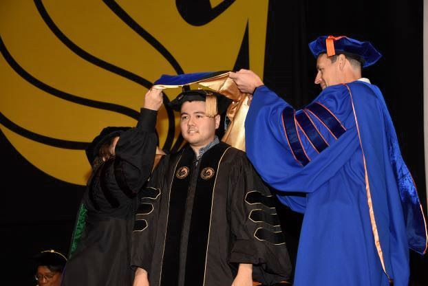 GradImages: Hooding, 1st Photo